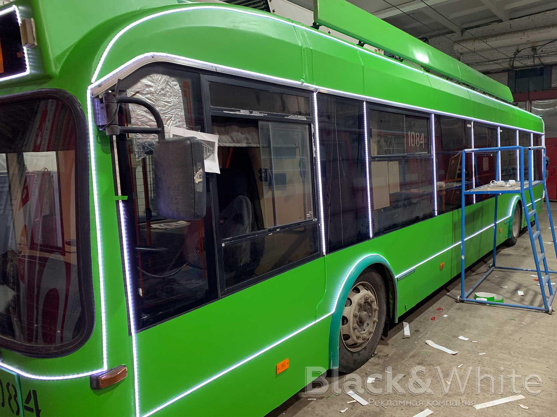 праздничная-иллюминация-автобуса-транспорта.jpg