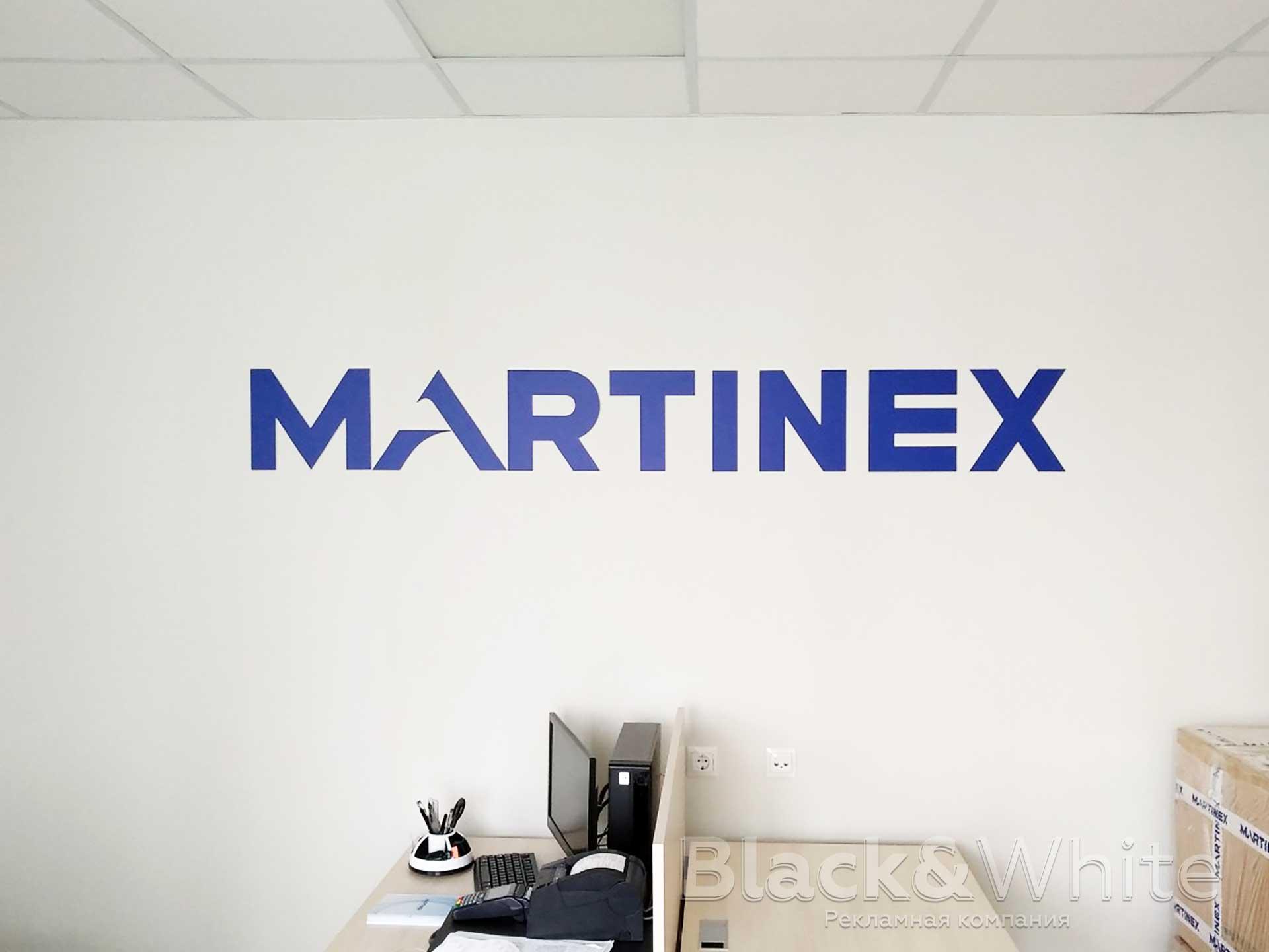 Брендирование-стены-логотипом.jpg